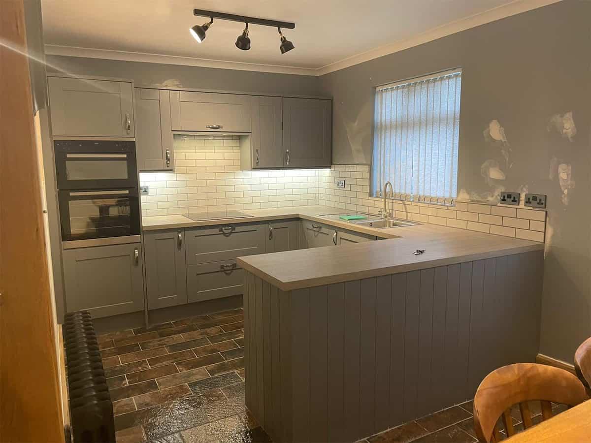 H-and-M-Construction-Eggleston-House-Kitchen-Installation-008